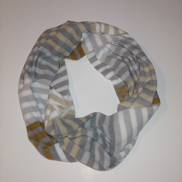 Old Navy Accessories - Infinity scarf